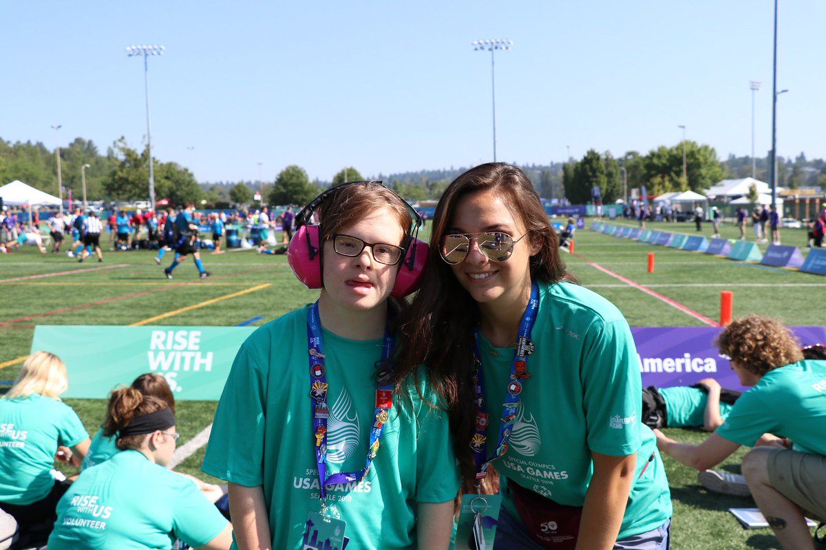 Happy Unified #SelfieSunday! Unified Champion School students like Olivia and Sydie are getting ready to go back to school. Show us your school spirit with a Unified selfie of yourself &amp; a friend you are excited to hang out with this year! Be sure to tag #choosetoinclude! <br>http://pic.twitter.com/85As0BFoX7