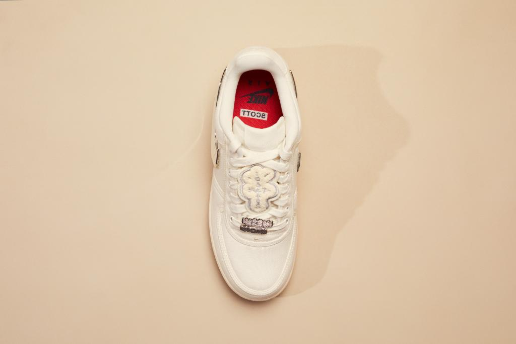online store da035 7b9f6 StockX Sneakers on Twitter: