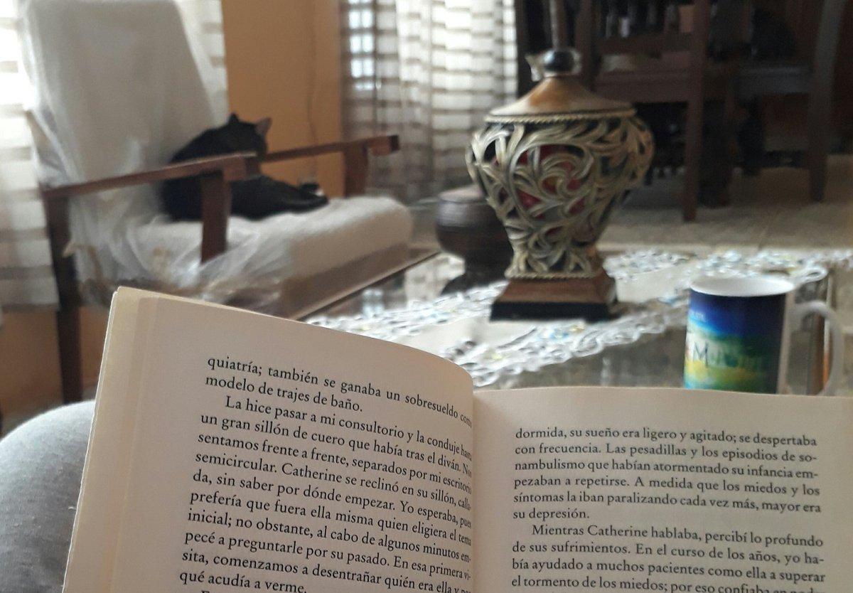 Dimanche ..#BookLoversDay #SundayMorning  - Ukustom