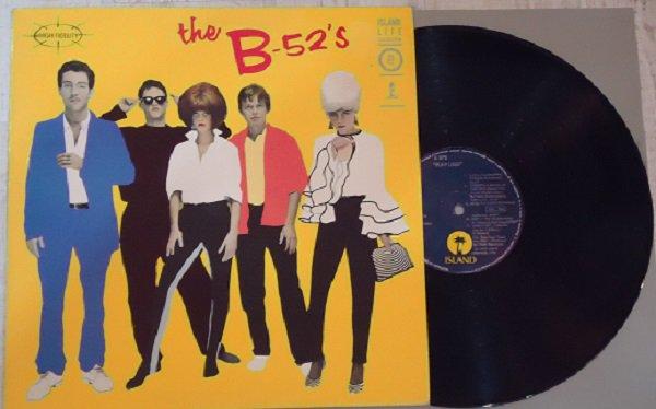 The B-52&#39;s Downtown (live)  https://www. youtube.com/watch?v=4UTbMg NYIQA &nbsp; …  The B-52&#39;s – The B-52&#39;s   https://www. discogs.com/es/sell/item/7 00999490 &nbsp; …  #vinylrecords <br>http://pic.twitter.com/5mLNLh6R11