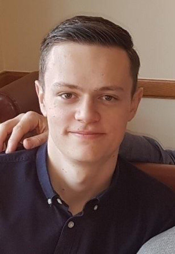 Missing: 19 year-old Adam Seaton has been missing from Southport since Thursday. Officers are looking into whether he travelled to Blackpool for the air show. If you think you may have seen him please contact @MerPolCC<br>http://pic.twitter.com/SwXHe3ZfCP