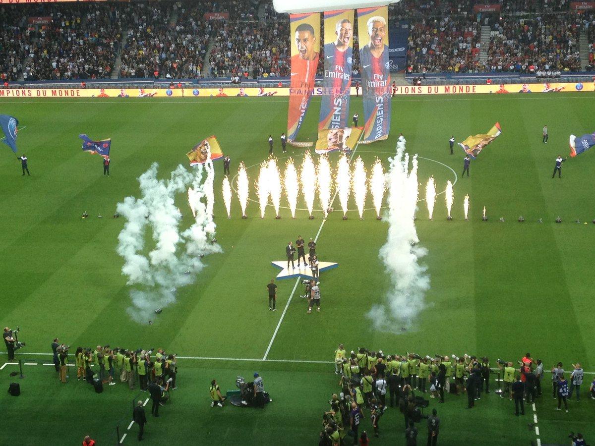 #PSGSMC 3-0 :  #Mbappe, #Kimpembe, #Areola présentés avec la Coupe du Monde  Les adieux de #Pastore à la pause 1er succès de #Tuchel comme coach en L1 1er clean sheet de #Buffon qui a été très bon pour son 1er match en @Ligue1Conforama  1er but de #Neymar  - FestivalFocus