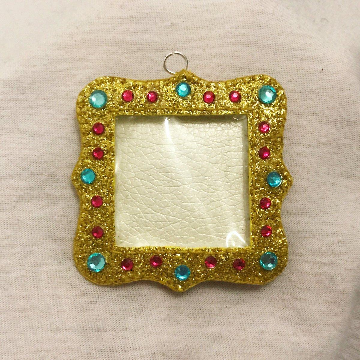 Mini fancy frame #art #photo #frame #cute #glitter #felt #leatherette #mini #gem #gold #keyring #small #artoftheday #photooftheday #artist #maker  - Ukustom