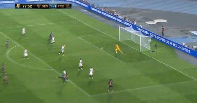 ¡Barsa campeón de la Supercopa de #España! Barcelona le ganó 2 a 1 al Sevilla con un golazo de Dembelé desde afuera del área. ¡Podés verlo acá! : Foto