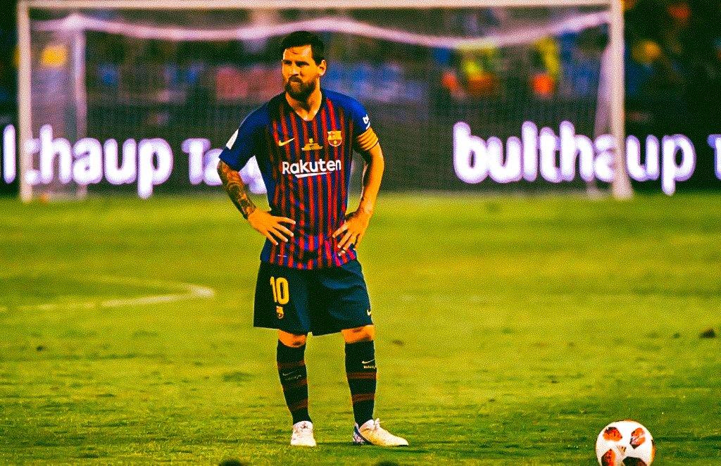 Lionel Messi &quot;Captain&quot; Edits #SupercopaBarça<br>http://pic.twitter.com/ex8MGOH1hU