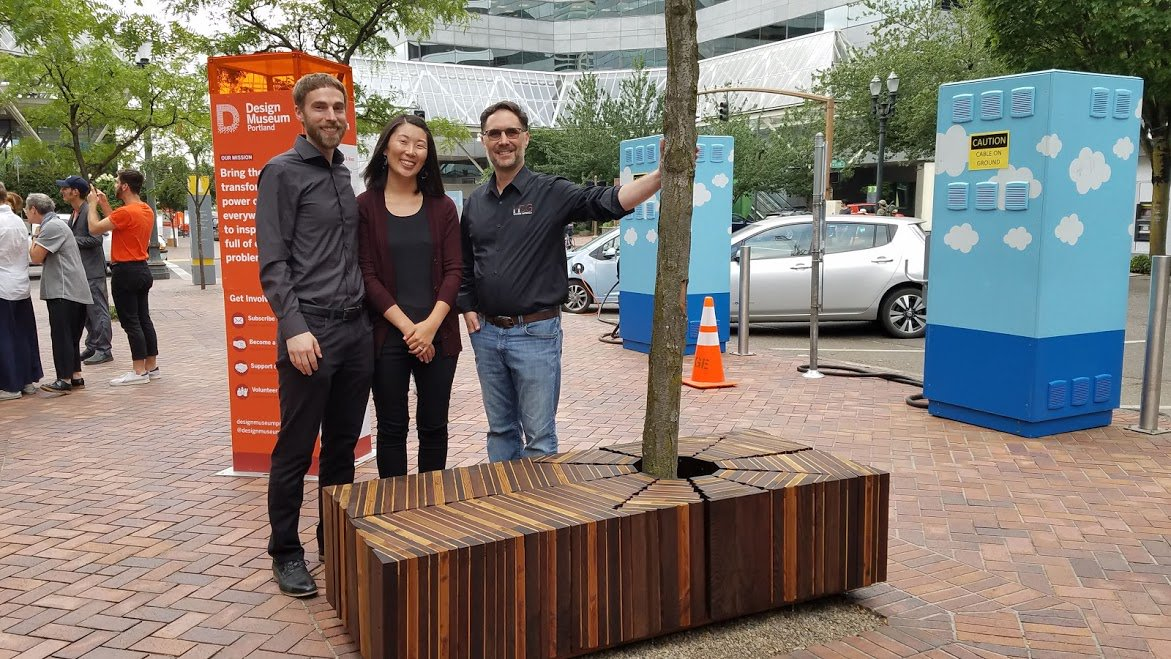 Congratulations to Grand Prize winners Kyle and Alyssa Trulen's team entry, &quot;A Quiet Place to Sit and Rest&quot; in the Street Seats Design Challenge. #streetseats #urban #livingcities #Portland #design @designmuseumpdx Learn more --&gt;  http:// hdgbuildingmaterials.com/street-seats-d esign-challenge-grand-prize-winner/ &nbsp; … <br>http://pic.twitter.com/E9vUGKSlad