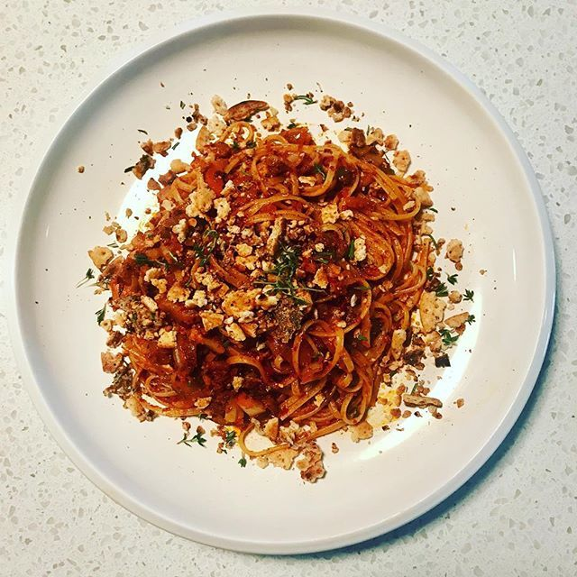 Sunday Cookin... all the glutens... Gnuja linguini with herbed breadcrumbs #foodporn #homecooking #pasta https://t.co/HFpBtRXD7Q