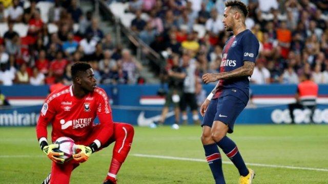 [Video] PSG goleó a SM Caen en su debut en la Ligue 1 con gran ayuda del portero Brice Samba Photo