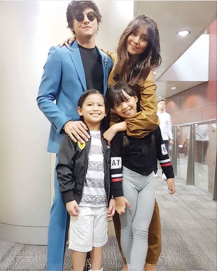 KathNiel with young Malia and young Tristan     https://www. instagram.com/p/BmZlaFNl8mN/ ?utm_source=ig_share_sheet&amp;igshid=19h4krja2y7vu &nbsp; … <br>http://pic.twitter.com/fwHmgEtLY7