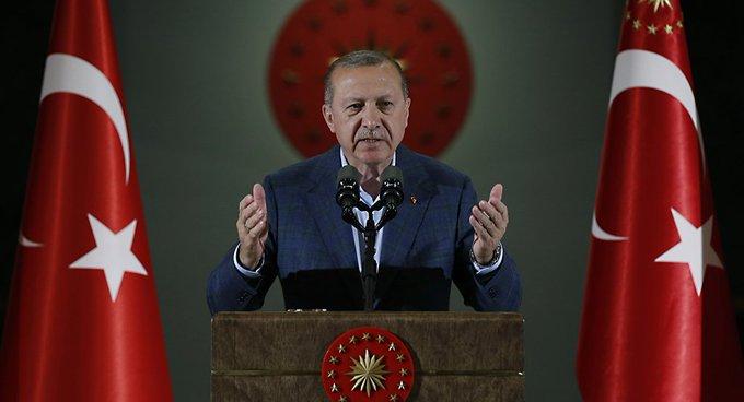 Turquía impone restricciones al mercado cambiario para frenar la corrida contra la lira Foto