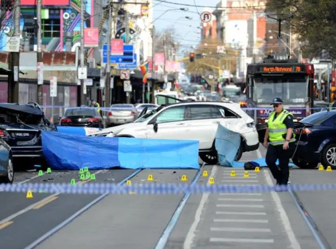 """""""We have a strong indication of who he is. Police close in on Chapel St fatal hit-run driver: Photo"""
