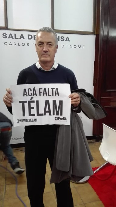 Podremos estar de acuerdo o no en jugadores o planteos, pero lo que a mí como hincha de # Huracán me llena de orgullo es que Gustavo Alfaro esté con Foto