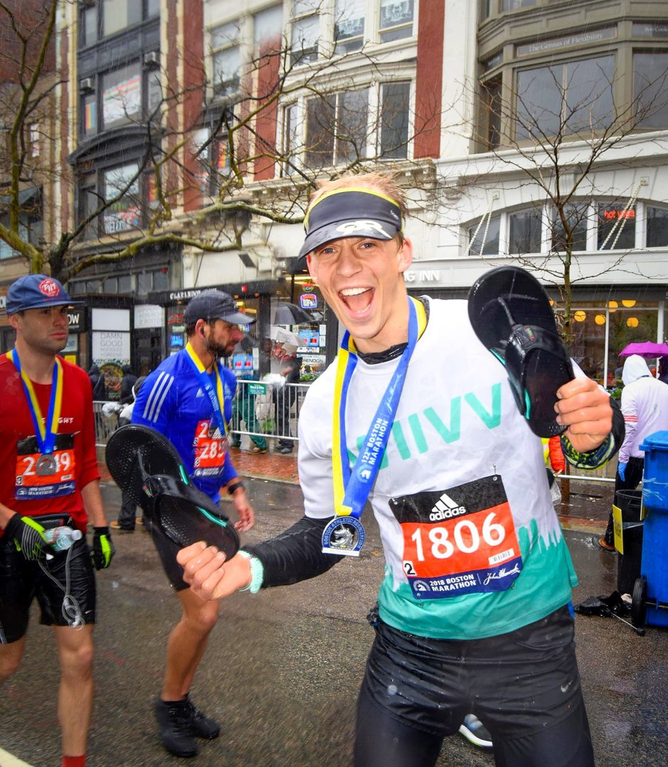 Alumnus Chris Bellamy (@CWBellamy) has designed a custom-fit 3D printed flip flop @wiivvit, and run #BostonMarathon in them!   http://www. eng.cam.ac.uk/news/alumnus-c hris-bellamy-has-designed-custom-fit-3d-printed-flip-flop-and-run-boston-marathon-them &nbsp; … <br>http://pic.twitter.com/qZDebKUZkF