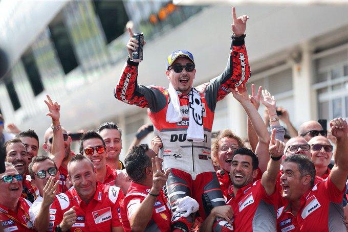 FOTO: Selebrasi Kemenangan Jorge Lorenzo di MotoGP Austria Photo