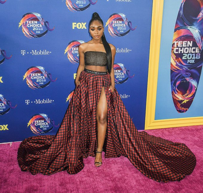 How about an appreciation tweet for this cutie that is @Normani at #TeenChoice 😘 Can't wait for our wigs to be snatched with new music 🙌🏻 Photo