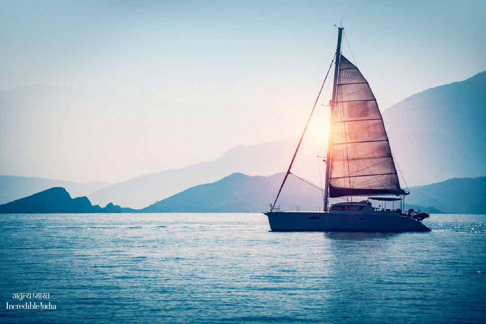 """""""Man cannot discover new oceans unless he has the courage to lose sight of the shore."""" – Andre Gide #MondayMotivation #India #IncredibleIndia @tourismgoi @alphonstourism<br>http://pic.twitter.com/8lRc2dwNmK"""