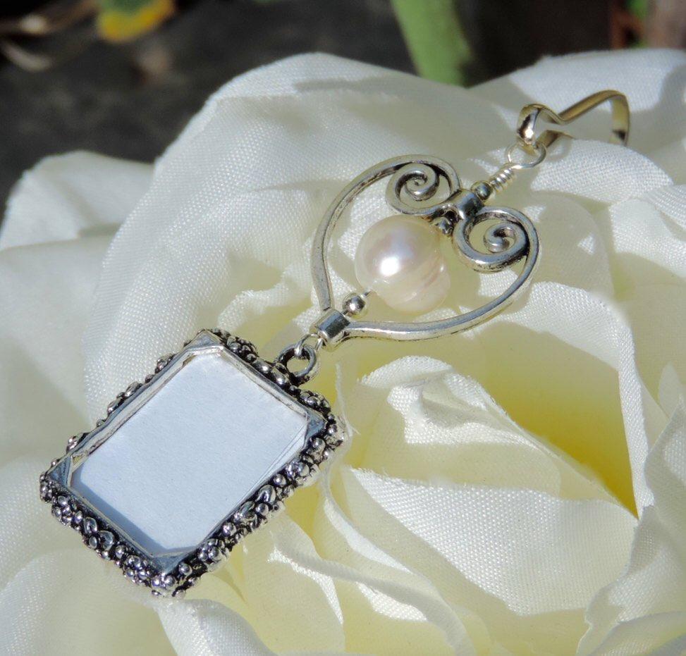 Who do you love? Remember them with my wedding bouquet &amp; memorial photo charms  https:// etsy.me/2BgJYOn  &nbsp;   @Etsy #epiconetsy #etsymntt #bizitalk #pottiteam #craftshout #weddings #AZ #brides #like2 #shopetsy<br>http://pic.twitter.com/tSMXPjnDFR