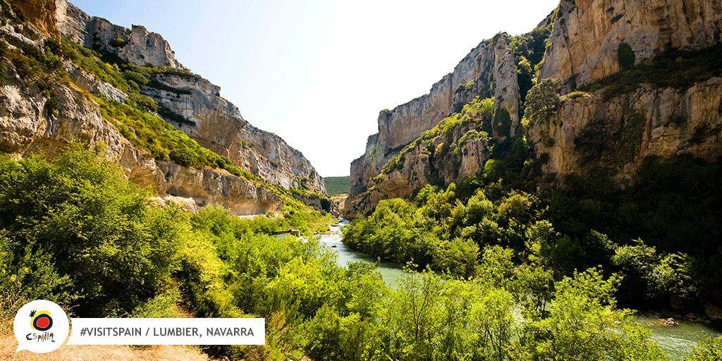 La tua famiglia si innamorerà di Foz de Lumbier, quando lo visitarete insieme questo bellissimo villaggio? https://buff.ly/2vYpJPv#VisitSpain #SpainIn10Sec #Lumbier #Navarra #escursione #outdoor #divertimento #natura #sport #avventura #Familia #Turismo @TurismoNavarra  - Ukustom