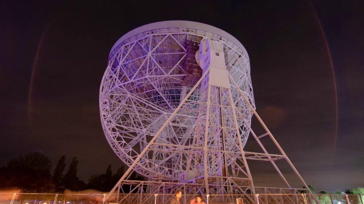 電波望遠鏡をカンバスに。天文データをプロジェクションマッピングにしたアートが圧巻 #アート #宇宙 #人物 #テクノロジー https://t.co/QrQkPg5e2Y