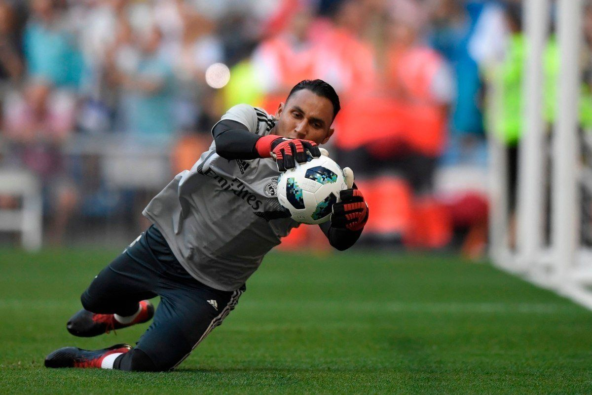 #RealMadrid&#39;s got two world class keepers for this season: #Navas and #Courtois Book your tickets here and discover next Sunday who will be the #Lopetegui&#39;s choice for the goal as the #Blancos take on #Getafe in one of #LaLiga&#39;s Madrilean Derbies   https:// buff.ly/2MdrCTh  &nbsp;  <br>http://pic.twitter.com/q6BCRyUAJz