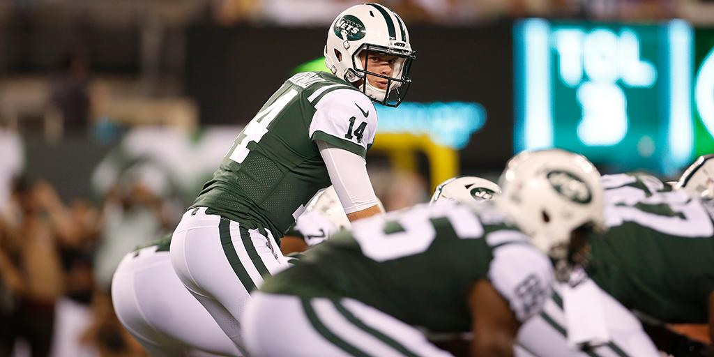 Sam Darnold receives majority of @nyjets first-team reps: https://t.co/nxaDqzpvjH https://t.co/yWyMovnfDq