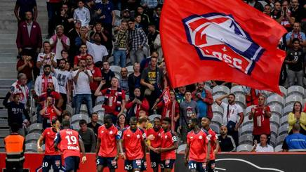VIDEO Lilla, tifosi scatenati: lo stadio trema Photo