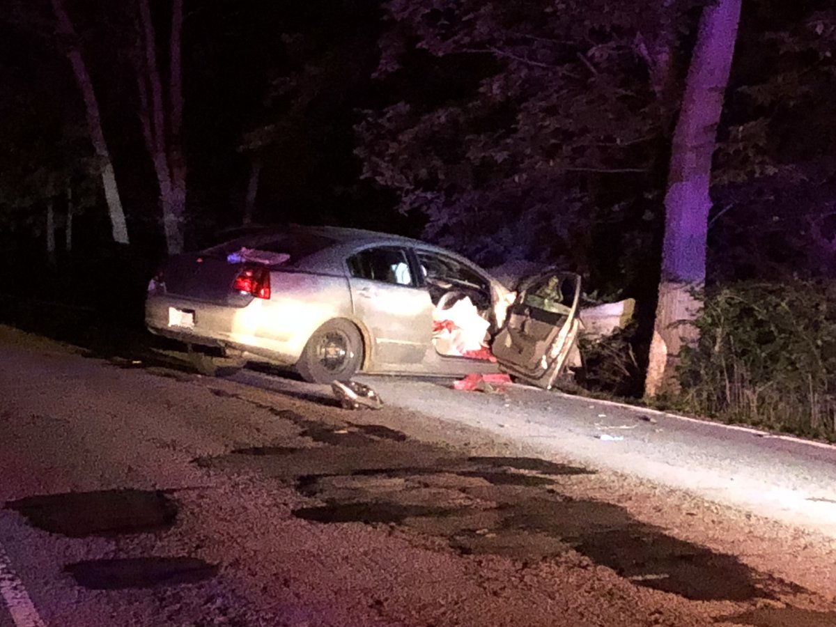 IMPD says a driver is in serious condition after this one car crash on Sargent Rd between 82nd &amp; 86th. Sargent Rd is BLOCKED between 82nd &amp; 86th b/c of this. Looks like the car may have left the road &amp; hit a guardrail or tree. #NewsTracker #Daybreak8 <br>http://pic.twitter.com/LM4fjm7PhU