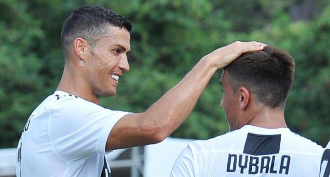 Nasce la nuova #Juve di #CristianoRonaldo. #Allegri riparte dal 4-4-2, #Dybala o #Mandzukic al suo fianco>http://mdst.it/29a1231042/<  - Ukustom