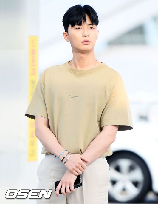 about psj on twitter video 20180813 parkseojoon at incheon Phi Phi Island Thailand 20180813 parkseojoon at incheon airport heading to phuket thailand for whatswrongwithsecretarykim reward vacationpic twitter q2gpcjd1ql