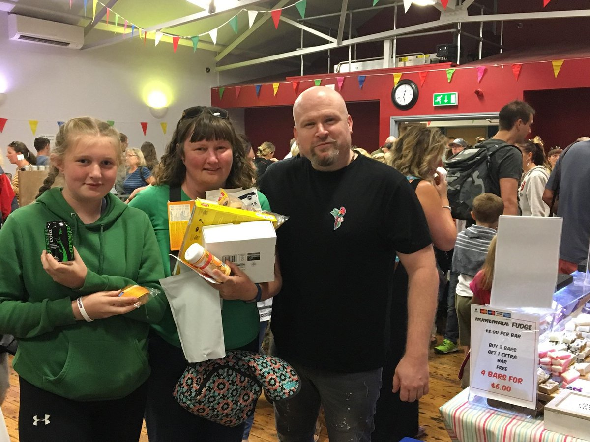 It was great to talk at the Tywyn Food Festival on Saturday. 1000 people at a non PKU event, was the perfect place to raise awareness. You&#39;ll never raise awareness preaching to a room full of PKU families. This young lady traveled a 200 mile round trip to meet us. #pkuawareness <br>http://pic.twitter.com/mTTymofQRk