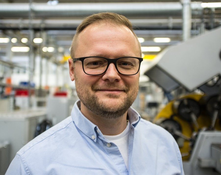 From #5G to MLUH HV – Interview with HUBER+SUHNER  https:// bit.ly/2vC4m7i  &nbsp;   #fibreoptic #mobile #networks #internetofthings #cables #connectivity #MLUHHV #frequencies #antennas #smallcells #microwave #RF #radiofrequency  #connectors #cabling #MASTERLINE #LF #communications <br>http://pic.twitter.com/wPuHLvo6O5