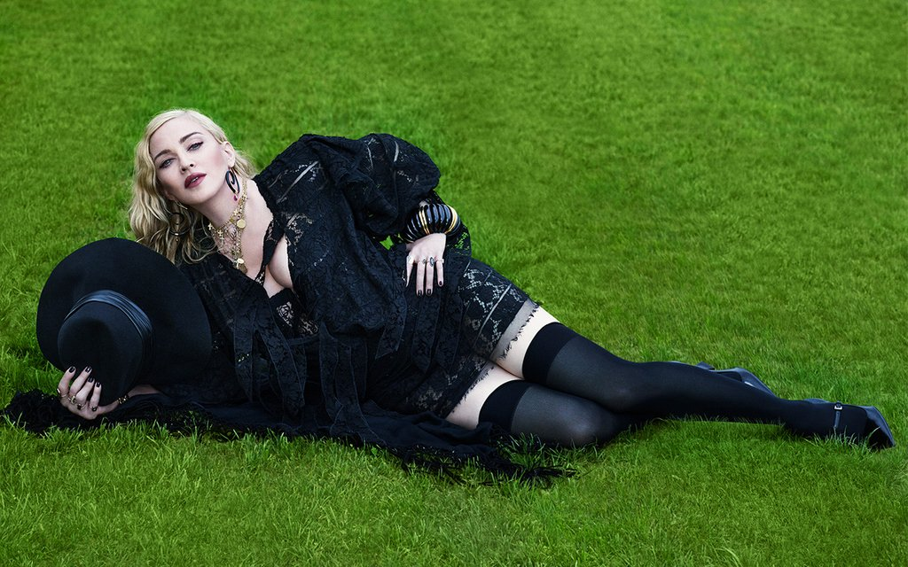 Thetightspot Com On Twitter Madonna Graces The Cover Of Vogue Italia With A Pair Of Wolford Hold Ups Shop The Similar Pair Today Https T Co Jutgtqkobg Madonna Thetightspot Holdups Wolford Wolfordhosiery Vogueitalia Vogue Hosiery