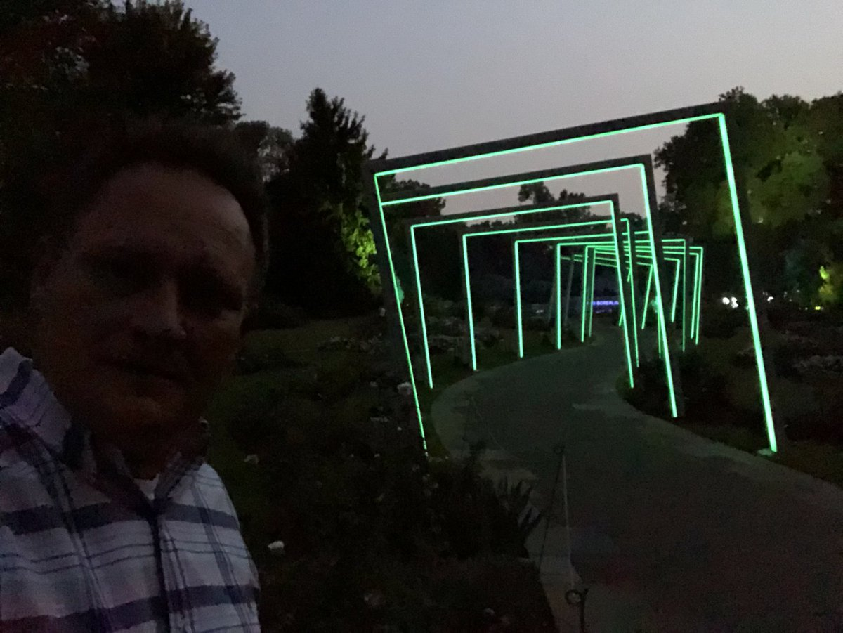 #N4TM Big announcement from @mobotgarden about #floraborealis...coming up at 6:35ish...@CoryStarkKMOV @mhollowed @LauraKHettiger Enjoy the picture of me...best one I've ever taken!<br>http://pic.twitter.com/x1seOdBbM9