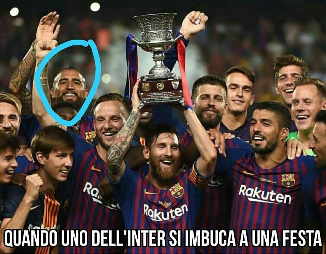 Un intruso raga#Vidal #Inter #Supercup #spain #BarcellonaSiviglia #BarcaSevilla #Sevilla #Siviglia #Barcellona #calciomercato #essi #Memes  - Ukustom