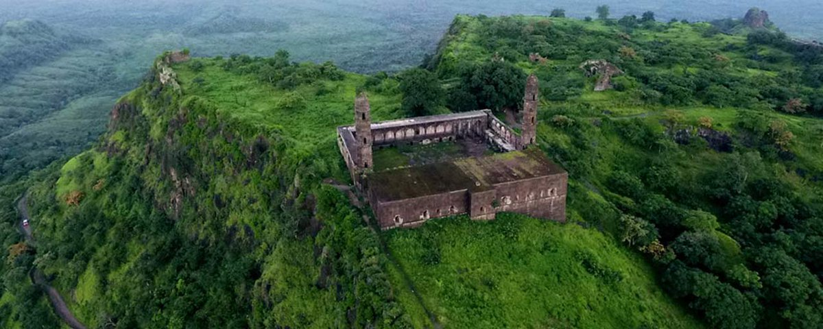 Burhanpur, once the cultural capital of the Mughals, is steeped in historic tales. Take a fascinating journey through Burhanpur's glorious past. #MadhyaPradesh #India #IncredibleIndia @MPTourism @tourismgoi @alphonstourism<br>http://pic.twitter.com/kc7bJwDcHL