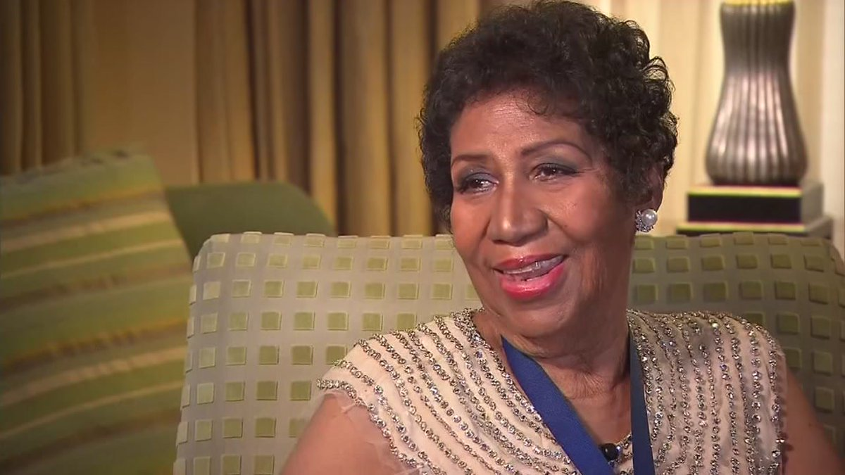 Aretha Franklin reportedly gravely ill, surrounded by loved ones in  Detroit: https:/