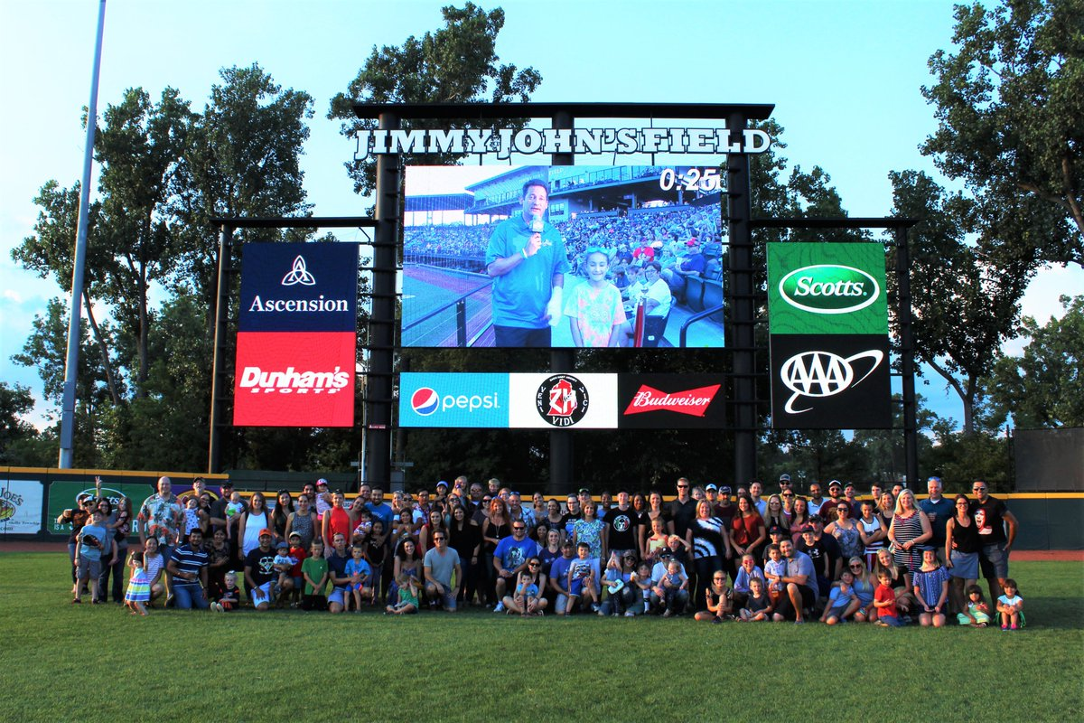On August 2, Brose employees in Auburn Hills celebrated the 25th anniversary of Brose North America with cake and balloons and a family outing at Jimmy John's Field! #BroseNorthAmerica #25thAnniversary #25years #celebrate #JimmyJohnsField #Baseball #Family #Fun #FIRST<br>http://pic.twitter.com/l65yWG5iRV