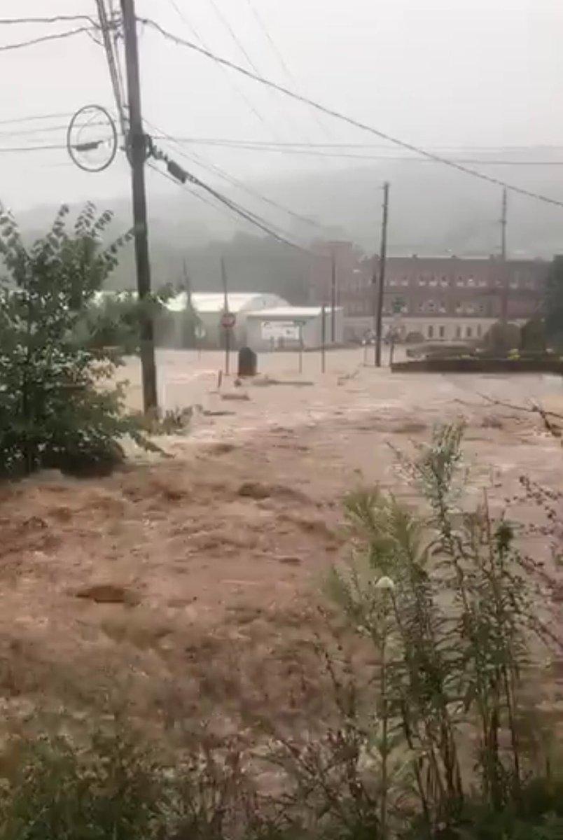 Downtown Troy #PA.   Bradford County has Flash Flood Warning until 5:15PM.  #WNEP #WNEPweather #FlashFlood #PAwx @NWSBinghamton<br>http://pic.twitter.com/lvsfmQ50I9