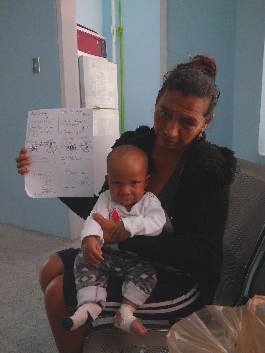 #ServicioPúblico: URGENTE Familia de bajos recursos necesita de emergencia: leche de fórmula. Niño internado en el Hospital JM de los Ríos Contacto: 04129039304 https://t.co/3dUoHVDccs