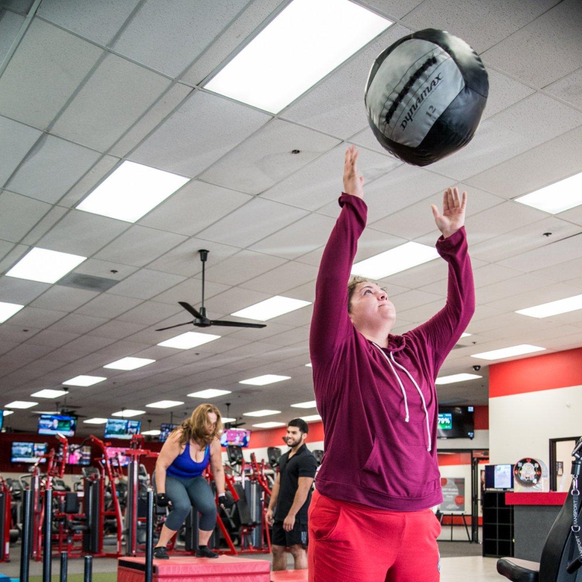 Desert Sports & Fitness Family - YouTube