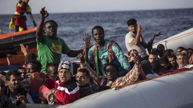 #Migranti, barca con dei tunisini senza benzina a largo di #Lampedusa http://agrigento.gds.it/2018/08/13/migranti-barca-con-dei-tunisini-senza-benzina-a-largo-di-lampedusa_900079/?utm_medium=feed&utm_source=twitter.com&utm_campaign=Feed%3A+gds_twitter_feed  - Ukustom
