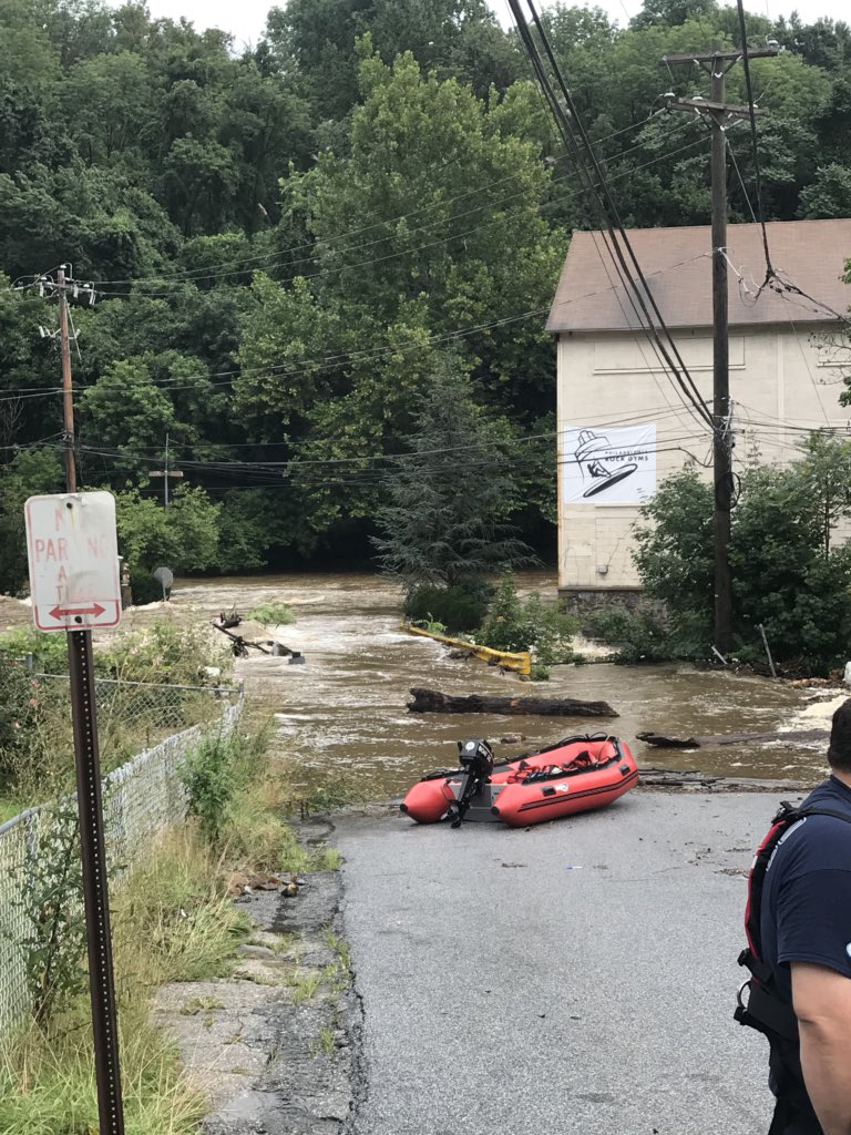 Strong work by @CCDES stations 35, 44, and 47 on the water rescue at a daycare. All kids are safe. #flashflood #pawx<br>http://pic.twitter.com/cXxoSPsmhP