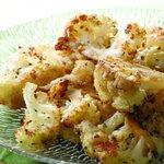 Image for the Tweet beginning: Roasting cauliflower makes it sweet,