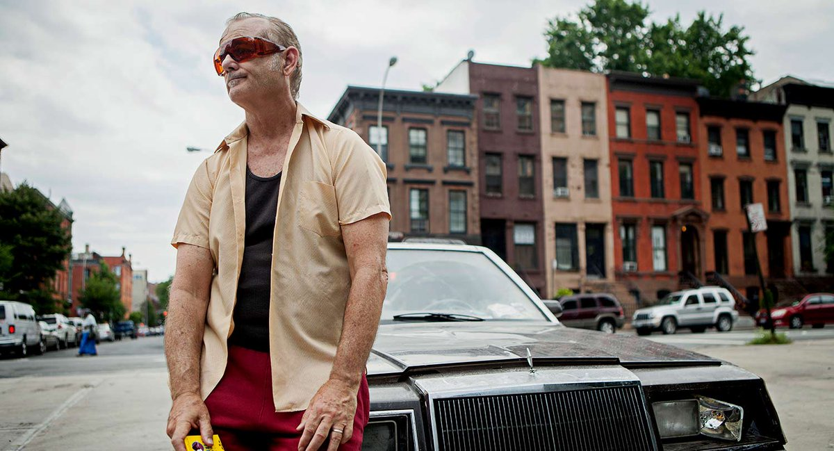 At 9pm, Bill Murray is a misanthropic Vietnam veteran in St. Vincent. <br>http://pic.twitter.com/nhPwrT5lpW