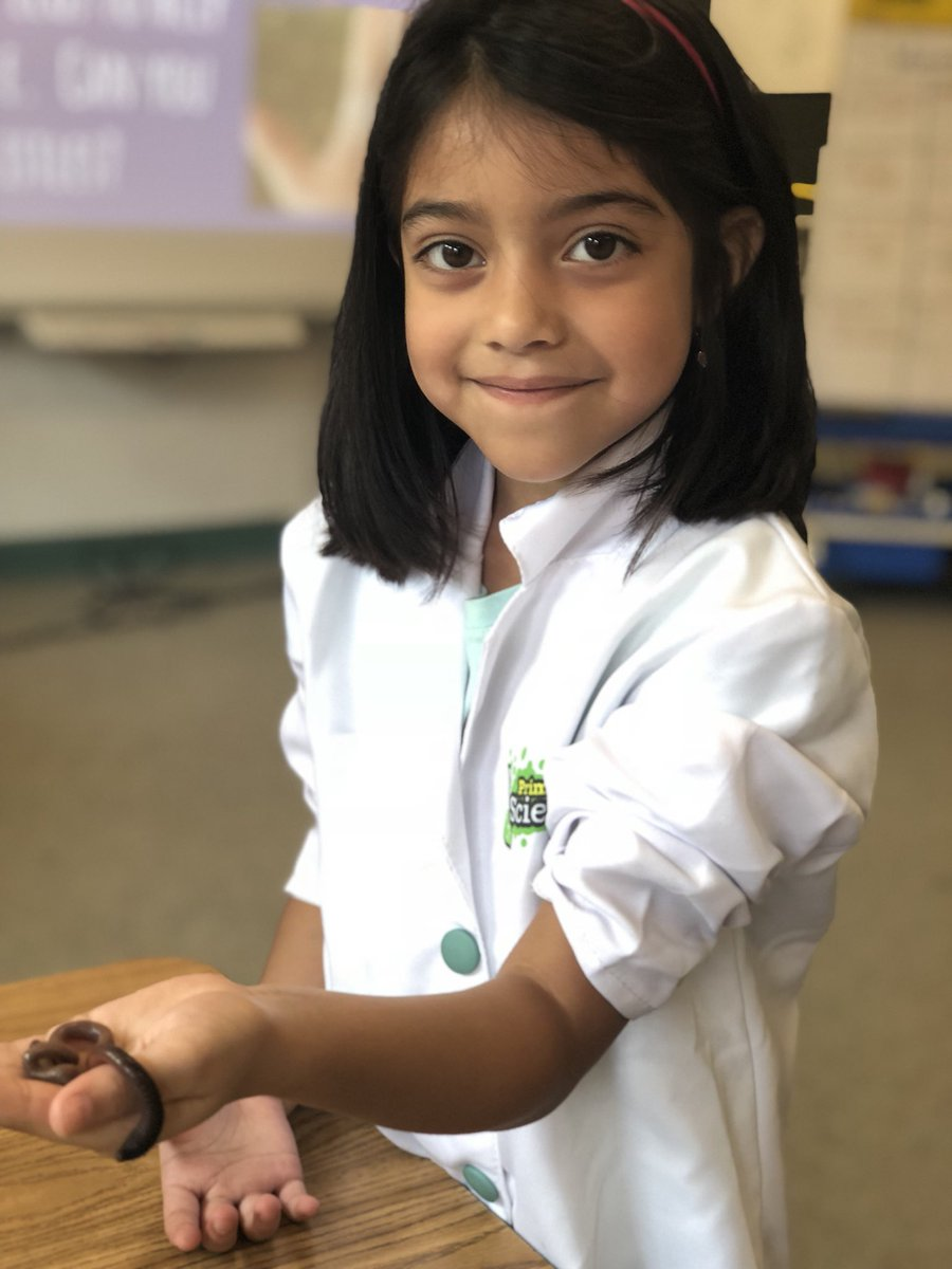 RT <a target='_blank' href='http://twitter.com/APSDrewReading'>@APSDrewReading</a>: Today we were worm scientist! <a target='_blank' href='http://search.twitter.com/search?q=APSInnovAcademy'><a target='_blank' href='https://twitter.com/hashtag/APSInnovAcademy?src=hash'>#APSInnovAcademy</a></a> <a target='_blank' href='http://twitter.com/APSDrewHyner'>@APSDrewHyner</a> <a target='_blank' href='http://twitter.com/GravesKimberley'>@GravesKimberley</a> <a target='_blank' href='https://t.co/9ZvFBu7QMi'>https://t.co/9ZvFBu7QMi</a>