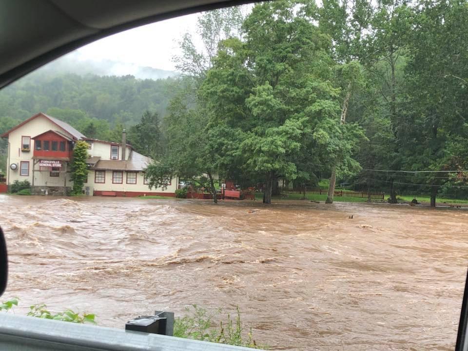 Flash Flooding in Forksville - Sullivan County.  #WNEP #WNEPweather #FlashFlood #PA #PAwx @NWSStateCollege<br>http://pic.twitter.com/kQgnWhw5uZ