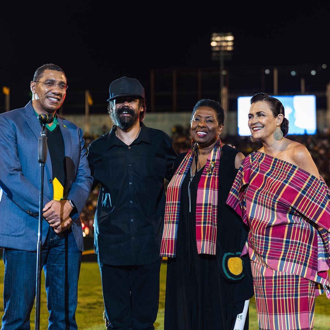 Give thanks Jamaica.... with my mother Cindy Breakspeare, Prime Minister of Jamaica @AndrewHolnessJM and Minister of Culture, Gender, Entertainment and Sport @Babsy_grange #GrandGala #JamaicaIndependence #Jamaica #OneLove