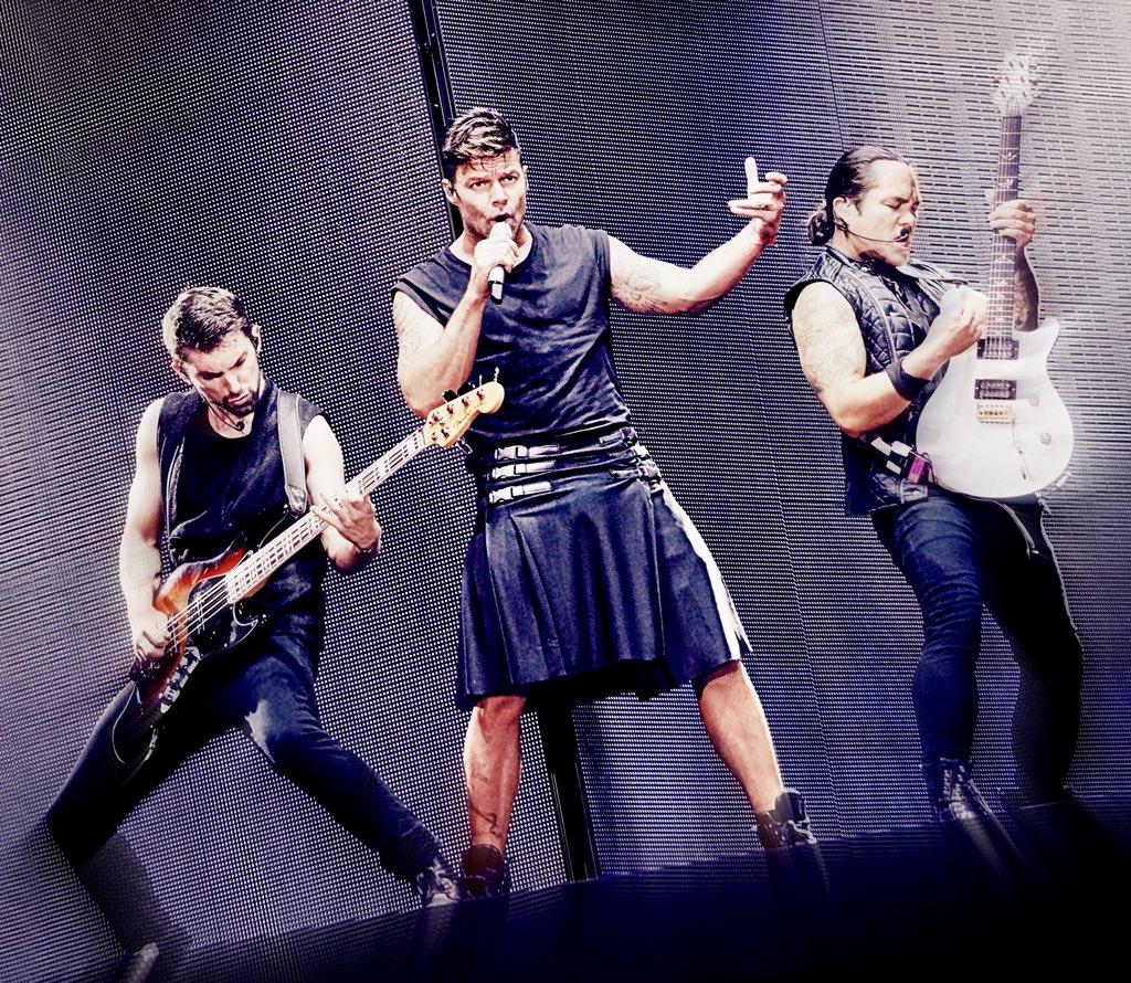 LO QUE VIENE  RICKY MARTIN EN EUROPA     Coming up NEXT  RICKY MARTIN EUROPE RUN    SPAIN HUNGARY  CZECH REPUBLIC POLAND    #Fender #rickymartin #FelizLunes <br>http://pic.twitter.com/luFK4ufMhW