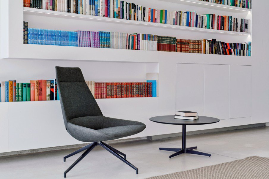 Dunas XL - a great spot to catch up on some reading  #lounge #homelibrary