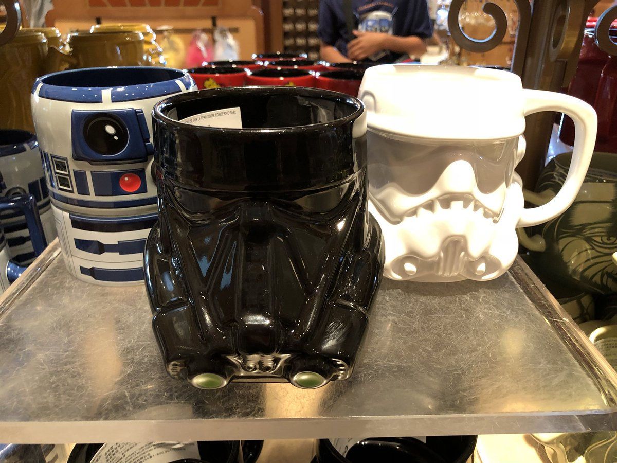 Our own @lxd1 is spending the week in @DisneylandParis and seen a great collection of mugs on sale so far! What's your favourite #stormtrooper #deathtrooper or #r2d2<br>http://pic.twitter.com/XEXyihhMmw